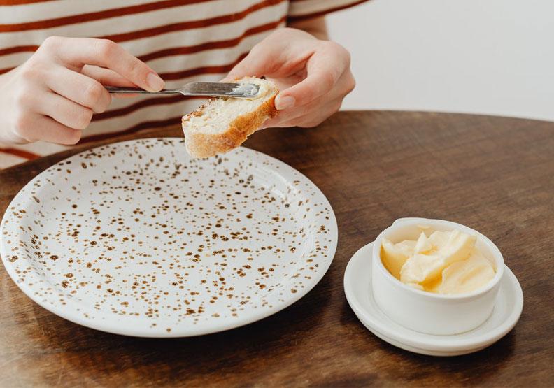 攝取過多植物性油脂中富含的Omega–6系脂肪酸,所造成的「脂肪酸平衡崩壞」,已成為損害人體健康的主要原因,並且受到各界注目。Pexels by Karolina Grabowska