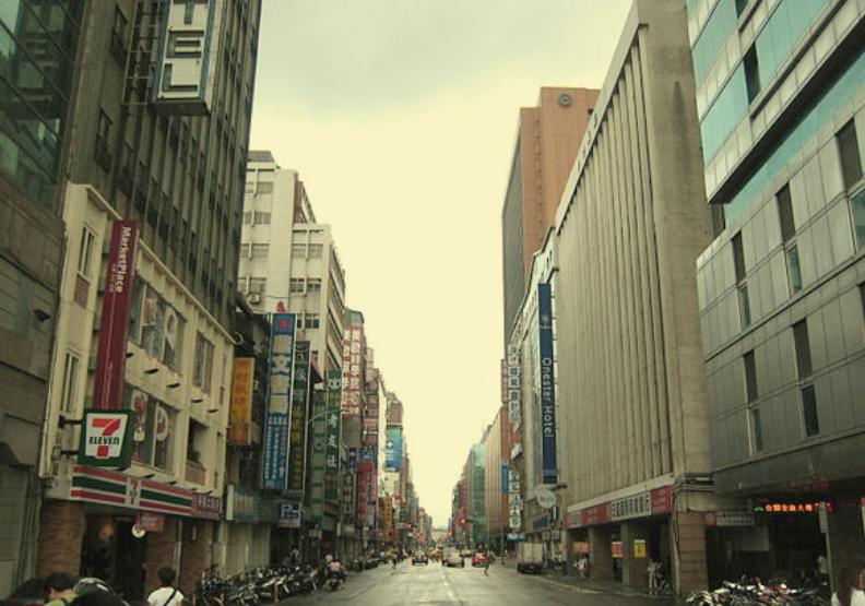 重慶南路曾充滿禁書!台北城中故事揭《返校》害怕想起的書森林