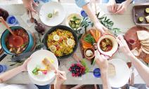 陌生商機:餐桌版Airbnb