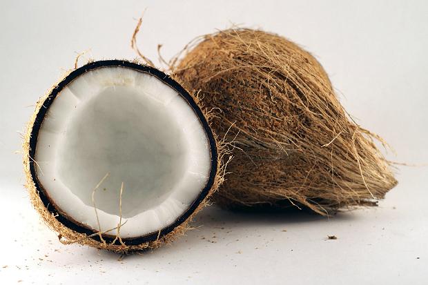 椰子汁可使燒燙傷口自然好?醫:無稽之談