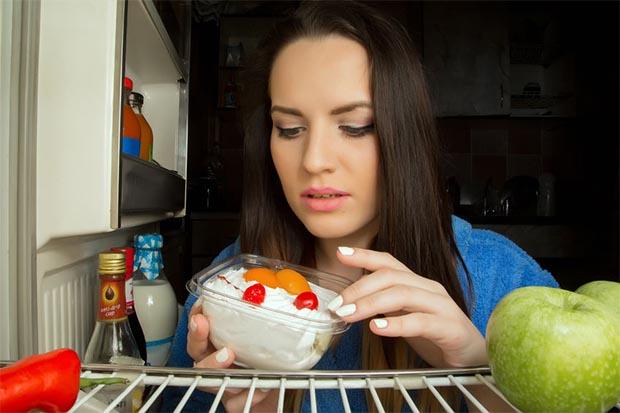 晚上進食瘦更多,還改善代謝健康?!
