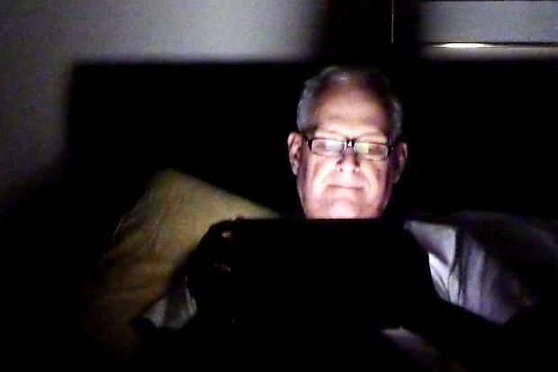 晚上睡不著,早上起不來嗎?小心是智慧型手機惹的禍!
