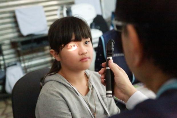 近視王國!臺灣學童提早近視的趨勢與預防,從花東偏鄉談起