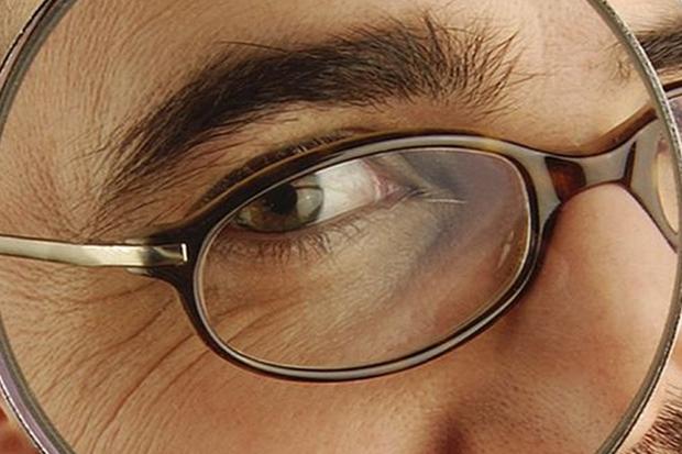 高度近視眼軸長,易受強光傷害