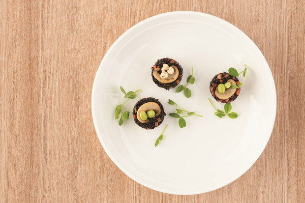 營養均衡,冷熱皆宜!黑米藜麥蘑菇沙拉