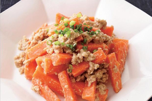 讓你白飯一碗接一碗!味噌肉醬炒胡蘿蔔