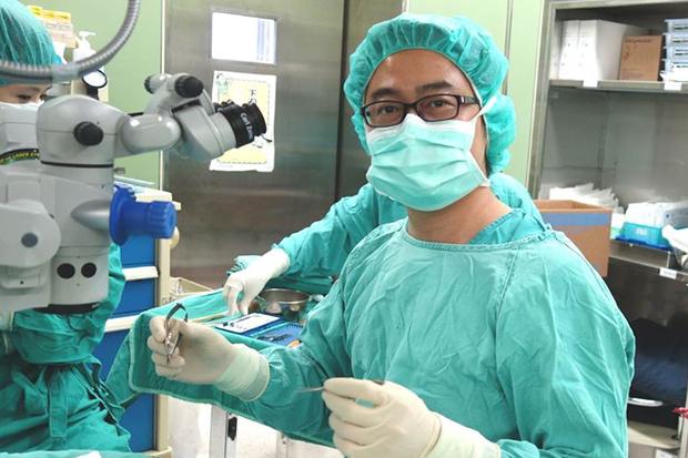 黃斑部皺摺致視力模糊,手術治療新曙光