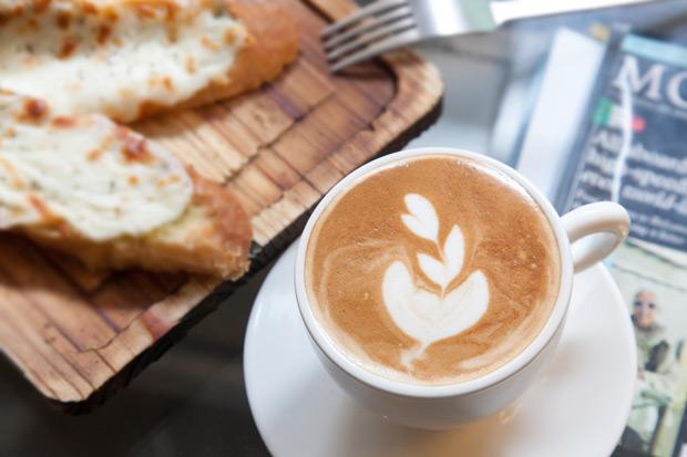 飯後一杯咖啡 鐵質卡卡進不來