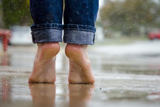 梅雨季香港腳搗亂!茶葉水、醋泡腳是救星?