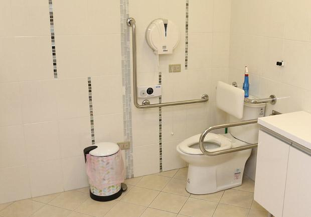 排泄照護很麻煩,可否使用紙尿褲?