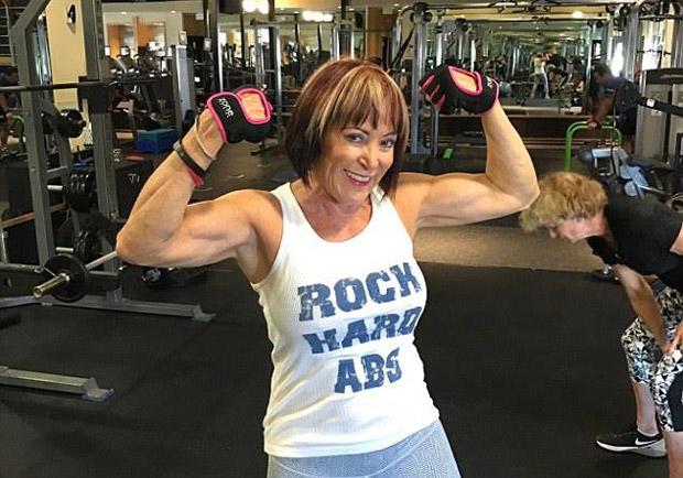 美國 70 歲高齡奶奶透過健身讓自己回春