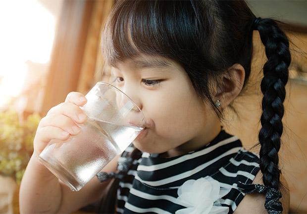 鹼性水可以調節體內的酸鹼度,有益健康?