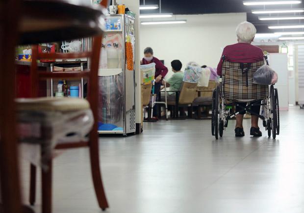 上百輪椅族上街頭,長照 2.0 真懂身障者?