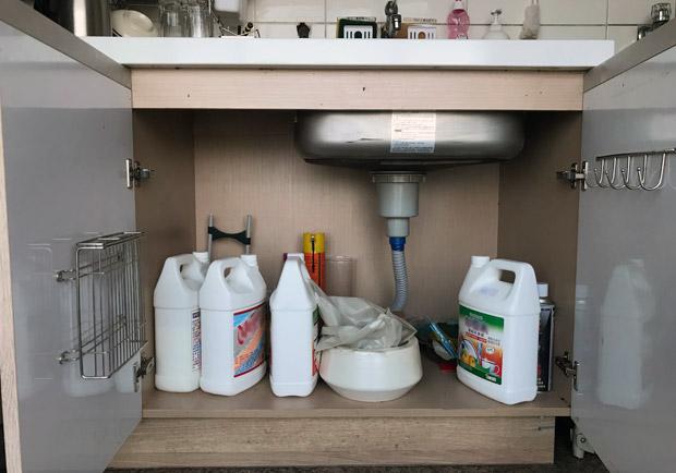 塑膠袋折法、水槽下空間運用...廚房收納再也不頭痛!
