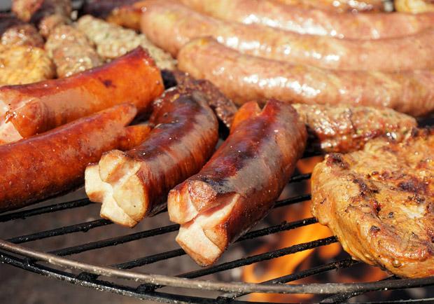 當心致癌 烤肉時這二樣東西別一起吃