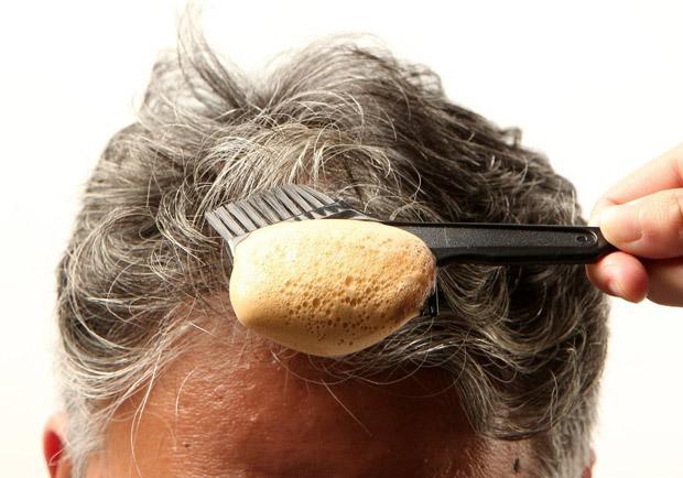 熟女染髮 10 年罹肝硬化晚期... 染髮你必須注意這些事