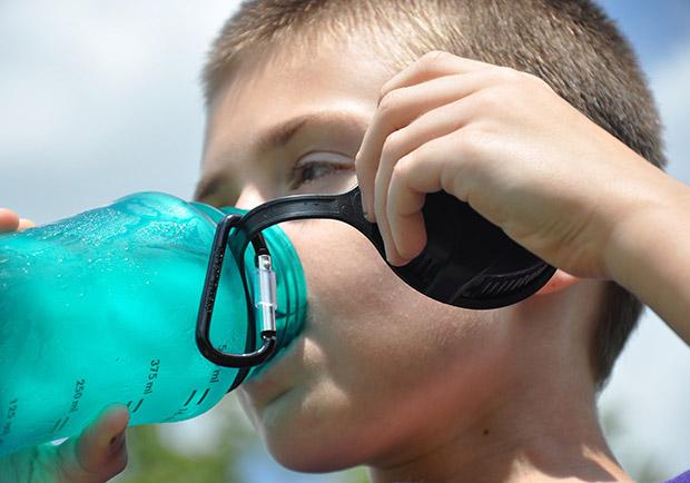 水喝不夠問題多!多喝水益善,每天應喝到這個量
