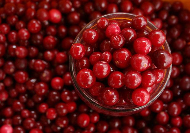 蔓越莓有哪些功效和副作用?真的能預防泌尿道感染?