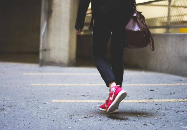 錯誤走姿竟影響健康!簡單步態訓練法,和慢性痠痛說掰掰