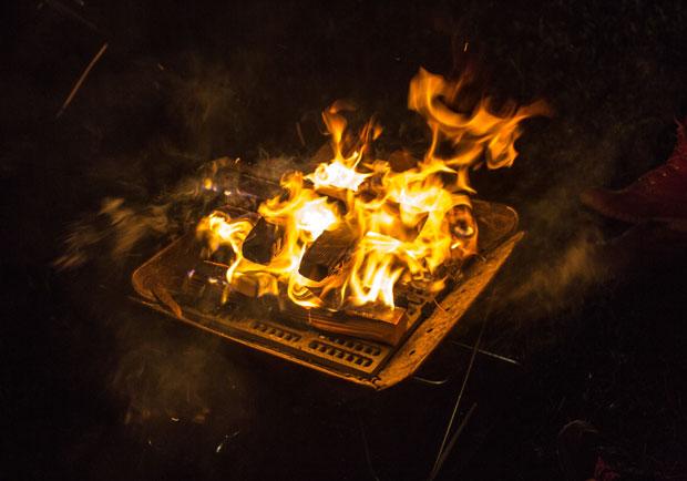 少用木炭烤肉可降低燒炭自殺?本土研究:有限制有差