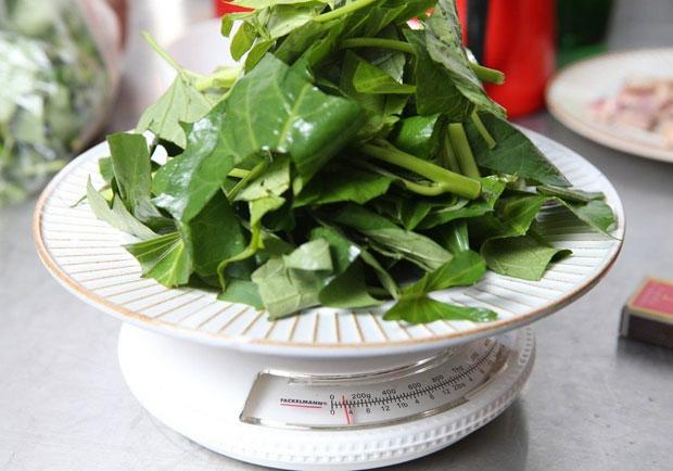 燙青菜沒想像中健康?營養師建議加這個吃最好