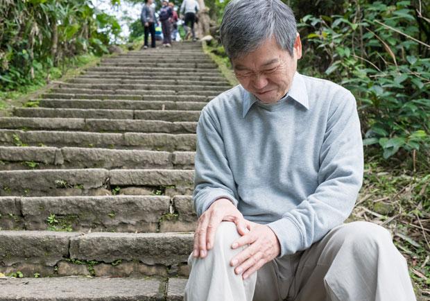 慢慢做也可以!改善關節炎疼痛的 3 種瑜伽動作
