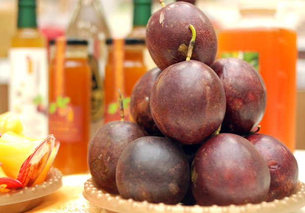 滋味酸甜好開胃!百香果營養有哪些?