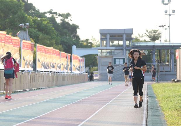 運動愈多愈好?過度訓練會對身體造成這 8 種傷害