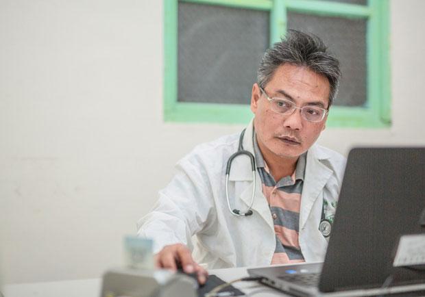 妹妹過世堅定他從醫念頭...用熱血與愛蓋醫院的醫師:徐超斌