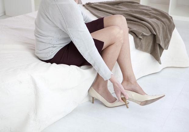 迅速緩解足底筋膜炎,醫師妙方竟是「穿高跟鞋」?