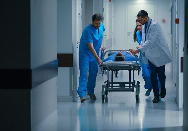 「不照我的方式,那就不要找我治療」生死交關,病患如何抉擇?