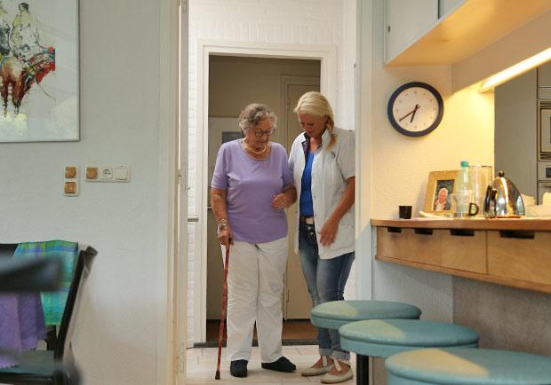 在荷蘭沒有「維生」這個詞!歐美為何沒有長期臥床的老人?