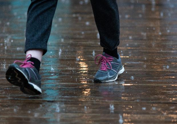 梅雨下不停,別讓香港腳趁機上身!記下中醫去濕止癢方