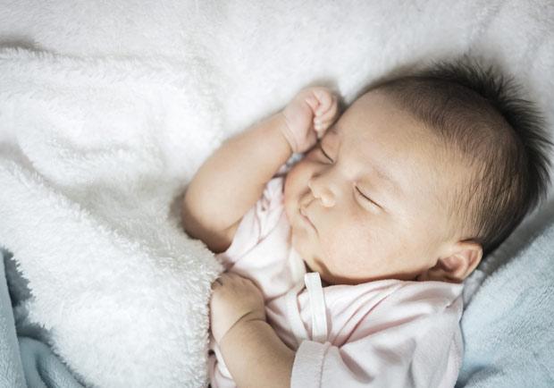 遵守安全睡眠 5 大守則,降低嬰兒猝死症候群風險