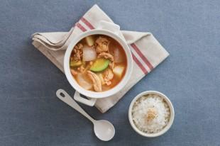 簡單煮好湯!清爽又好喝的雞肉味噌湯
