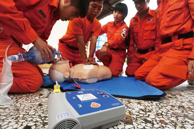四成民眾聽過AED,81.9%不懂如何使用