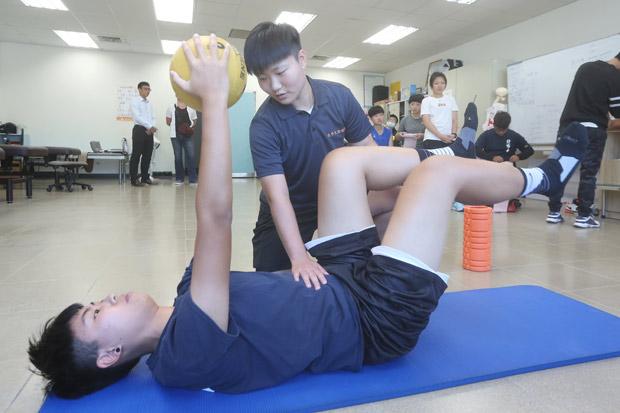 運動為經、健康為緯 學習與實務並進