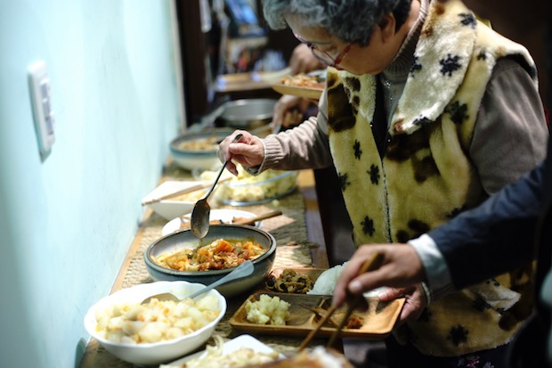 醜蔬果翻身創意菜 剩食共享溫暖人心