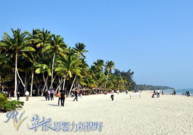 在海浪中享受悠閒時光!靜謐誘人的海南東郊椰林