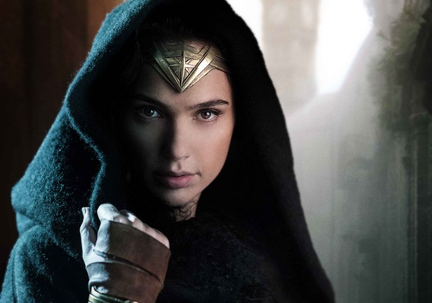 不只有神力女超人!那些在DC宇宙英勇的6位女英雄們
