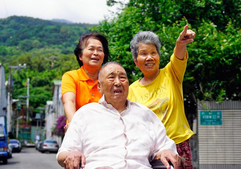 到府照顧長輩、失能者 協助家務及陪同就醫