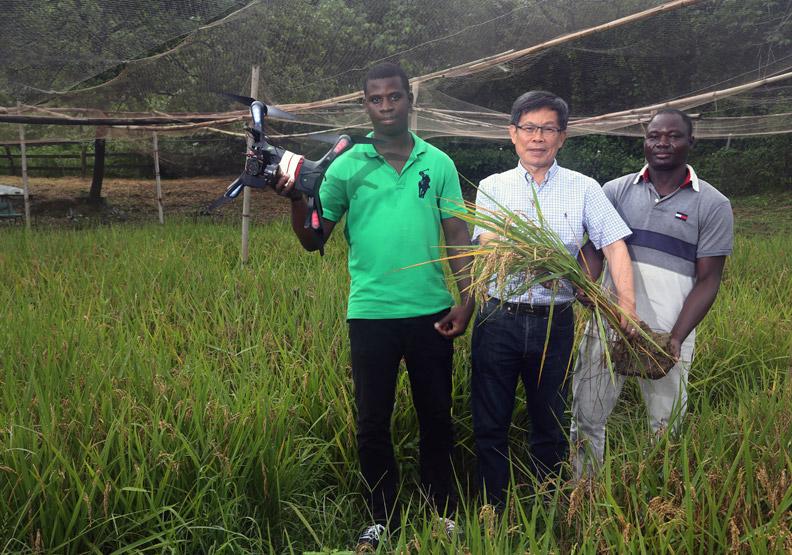 研發成果技轉農民 力拚智慧農業領航者