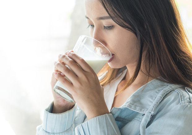 改善不適還能消水腫!經期前、中、後跟著營養師這樣吃