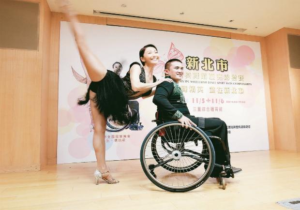 輪椅上舞動人生將赴德國比賽   自信面對挑戰