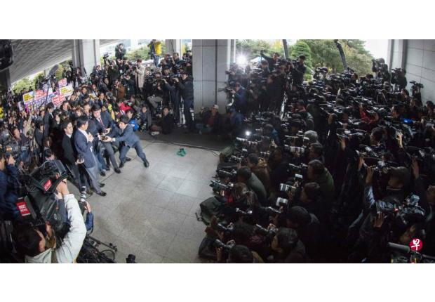 韓國緊急扣留朴槿惠閨蜜徹查是否干政