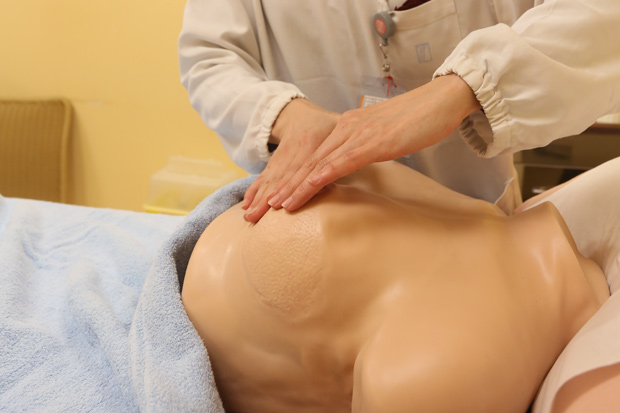 胸部腫脹又疼痛,原是乳房纖維囊腫在搞鬼