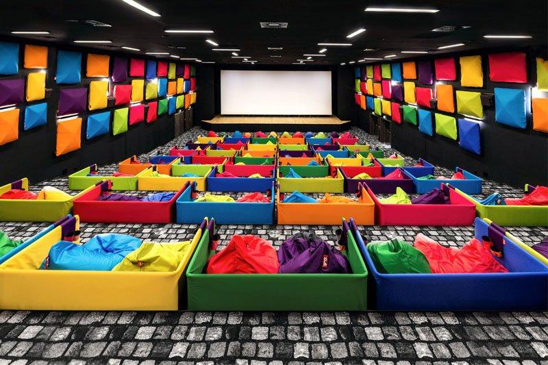 【La Vie行動家】 戲院裡也能躺著看!玩轉設計的斯洛伐克繽紛電影院