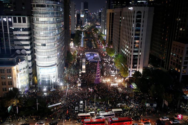不滿閨蜜干政 韓國人集會要求朴槿惠下台