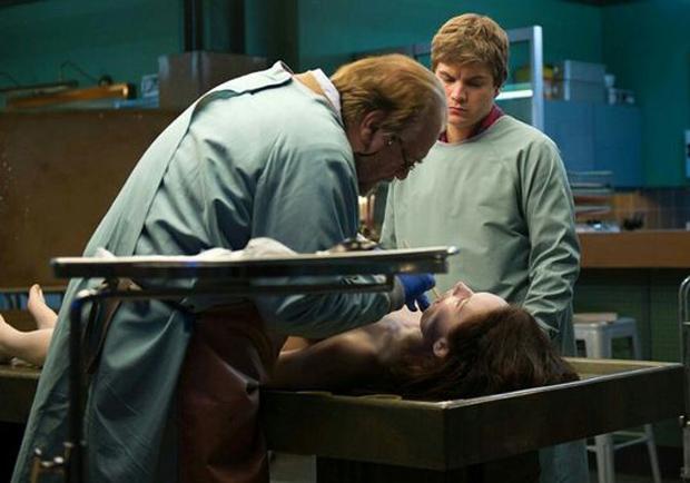 《驗屍官》:從科學入題,製造無窮絕望