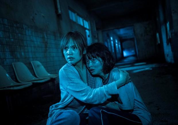 《紅衣小女孩2》壟罩全台!楊丞琳為戲壯膽、許瑋甯邪氣逼人